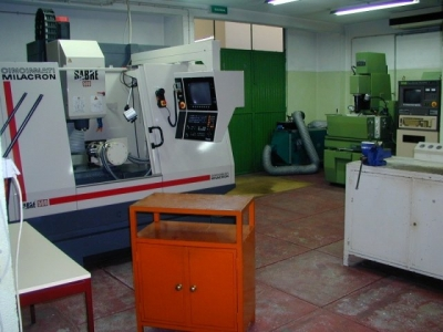 CNC - Centro Maquinagem e Electroerosão